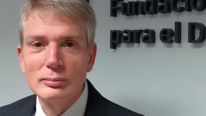 """Daniel Cravacuore: """"No creo en las macro autoridades metropolitanas"""""""